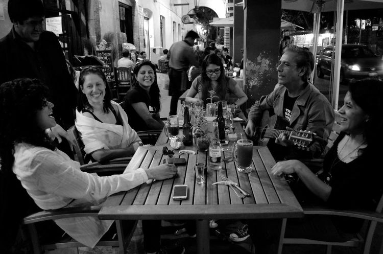People Together Streetphotography Urban Landscape Street Mexico Nikon Nikon D5100  Check This Out Nikonphotography Urban Lifestyle BackpackersMemories Ciudades Del Mundo Ciudad De México Music Music Is My Life Musician Rock Rockstar Guitar Guitarist Family