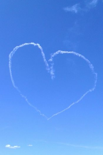 Sky Sky And Clouds Clouds Cloud Heart Heart Shape Heartshape Heartshaped Planes Skyblue Blue Smoke Hearts