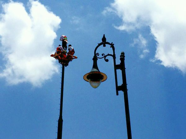 Voladores De Papantla Sky And Clouds Skyporn Bird Street Lighting Bluff The Moment - 2015 EyeEm Awards The Traveler - 2015 EyeEm Awards EyeEm Best Shots Streetphotography