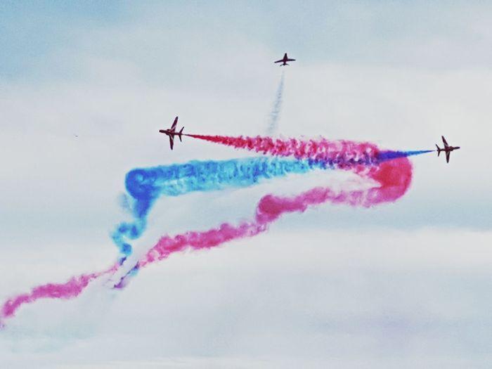 Air show Vapor