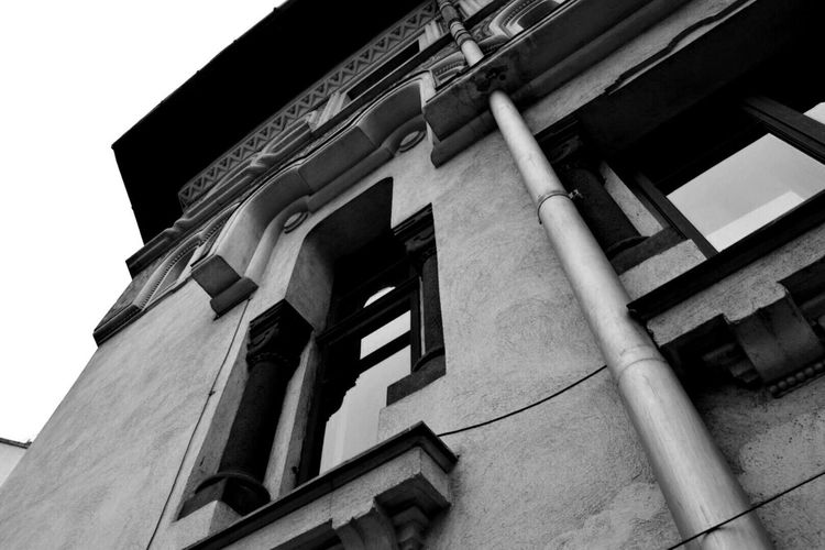 Building Exterior Low Angle View Built Structure Architecture No People Day Outdoors Bucharest Romania Black & White Blackandwhite Blackandwhitephotography Black And White Photography Black And White Collection  Blackandwhite Photography Black And White Black&white