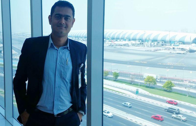 Peaceful Airport Dubai Emirates Dnata Handsome Men At Work  On Duty Aviation Hi!