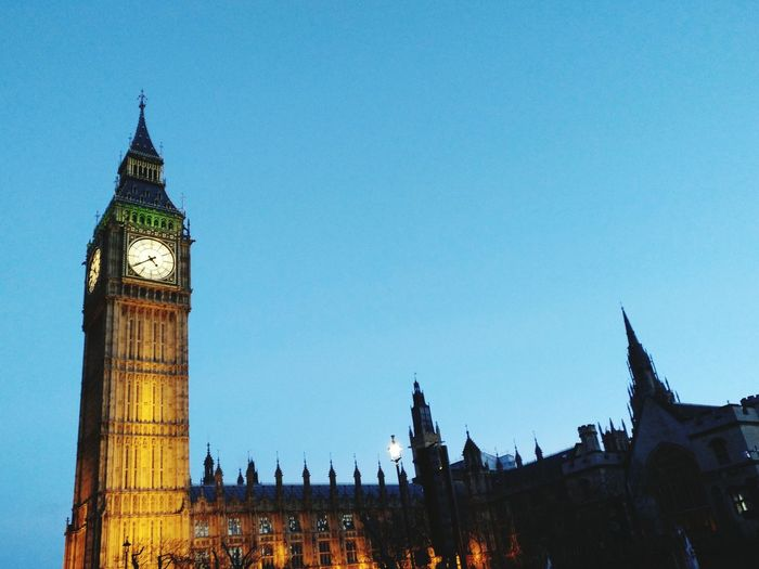 Big Ben Elizabeth Town Low Angle View Time Sky City Travel Destinations Clock Tower Cultures Architecture Illuminated London