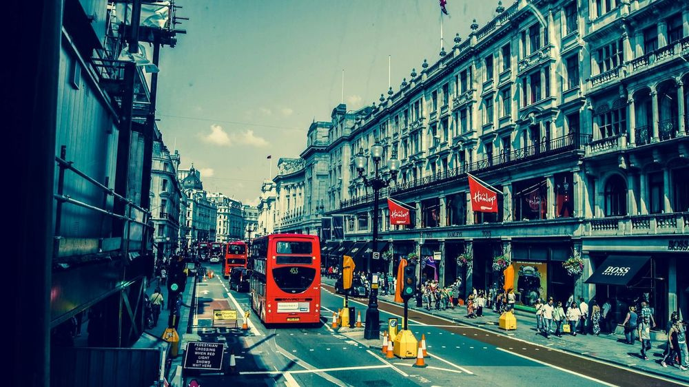 London Hello World View From The Bus English Bus Streetphotography Peoplephotography Splash Travel The Traveler - 2015 EyeEm Awards Taking Photos Colours. Enjoying Life From My Point Of View EyeEm Best Shots Showcase: November Seeing The Sights London Lifestyle
