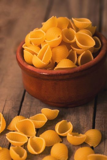 shells pasta Pasta Pasta Time Pastacoocking Pottery Roé Shellpasta Close Up Product Photography Coocking Still Life Foodphotography Food Photography Photographer Wheat Wheatproduct Soft Focus Food And Drink