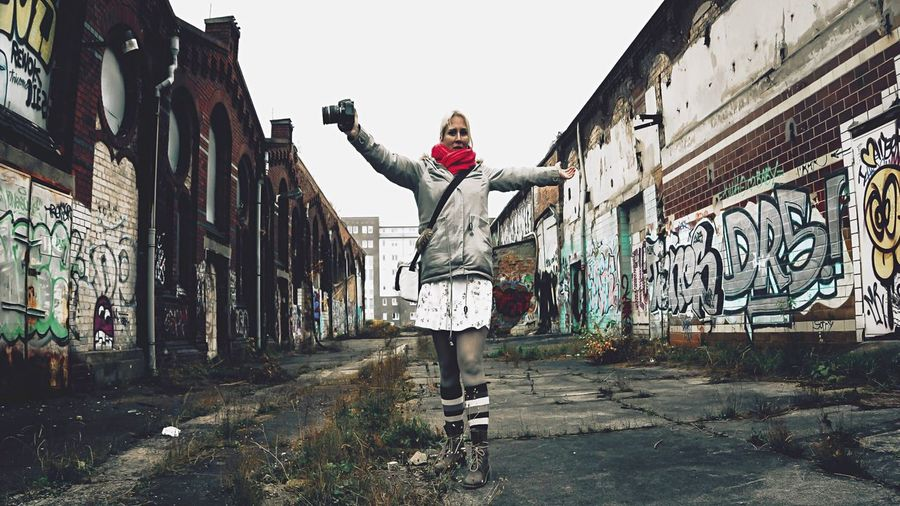 - H U H U U U U - Showcase: December My Fuckin Berlin AMPt_community AMPt Community Vscocam VSCO Abandoned Places Urban Happiness Grafitti Greatday ThatsMe Selfie ✌ I Love My City I Love Berlin My Berlin  IN THE STREETS Yeah! Hello World Erdbeerkuchen Film Agfa Film N \ VEA ★ CREME Things I Like