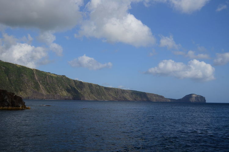 Edge of the island - drops into the oceanAzores Açores Faial Faial Island Edge Ocean Drop Off Way Down Below Morro