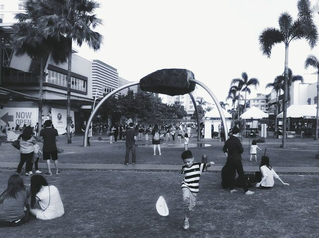 Learn & Shoot: Layering Urbanlife BonifacioGlobalCity Street Photography Eyeem Philippines