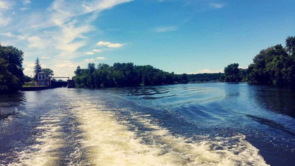 Erie Canal Lock18 Relaxing Summertime Beautiful Onaboat Scenery
