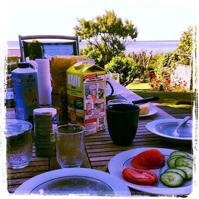 Frukost utsikten kan inte bli bättre. Svarte HTCOneX Sweden Frukost