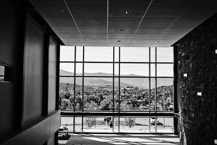 This is such a killer view! These students at Colorado Mountain College are so spoiled! Blackandwhite Black And White Black & White Blackandwhite Photography Black And White Photography Bestoftheday Followme Follow Justgoshoot Canon Likes Comment Photo Photography Photooftheday Landscape Landscape_Collection Landscape_photography City Cityscape Window Architecture Built Structure Sky Architectural Design Geometric Shape Glass - Material
