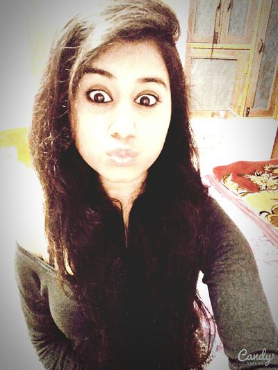Big Eyes Kissing Pouth Long Hair <3 with Deep Shoulder Top Natural Beauties Lips ♡ Lips #love #smile #pink #cute #pretty Hot_shotz At My House <3