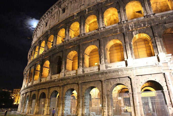 Full moon rising over the coliseum Tadaa Community Architecture Full Moon Coliseum