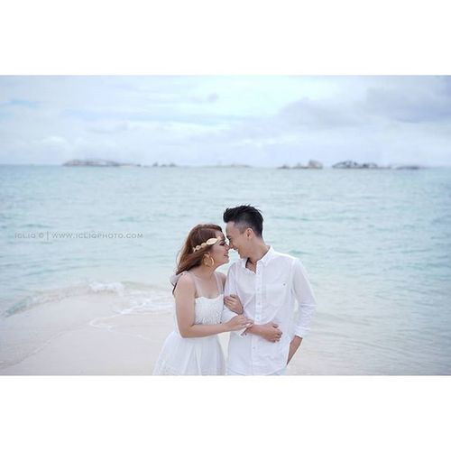 I love you for what you are not who you are. Simplicity! @vivayana Captured @welky for Icliqphoto Brushed @vichristiana Styled@jamesartha Sony A7 Prewedding Zeiss Visitindonesia Loveindonesia