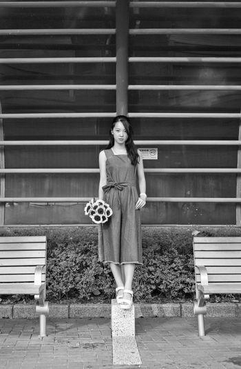Hongkongcity SunnyChan 2016 EyeEm Awards EyeEm Best Shots Sweet Flowers Beautiful Girl Tsuen Wan Riviera Park Casual Clothing Lifestyles Sunfower Blackandwhite