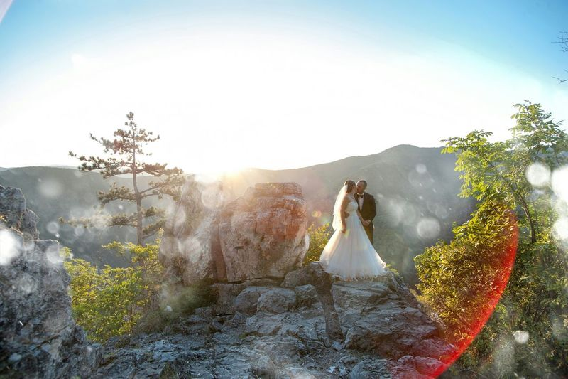 Weddings Around The World Bride And Groom Wedding Photography Bridedress Wedding Day