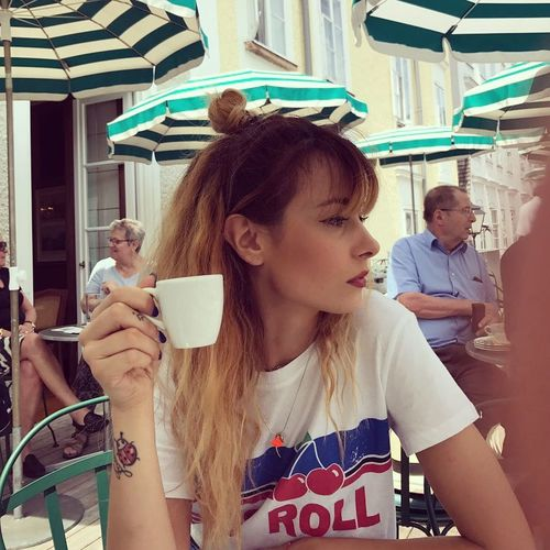 Only Women Young Women Women Girlfriend Trip Cafeteria Cafe Salzburg, Austria Relaxing Time Relationship Wiew Is Incredible