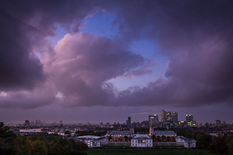 Architecture City Cloud - Sky Built Structure Sky Cityscape Building Nature Storm No People City Life Dramatic Sky Storm Cloud Outdoors Dusk Power In Nature Ominous London LONDON❤ Greenwich Greenwich Park Greenwich,London Naval College Greenwich Naval College Strange Clouds Capture Tomorrow