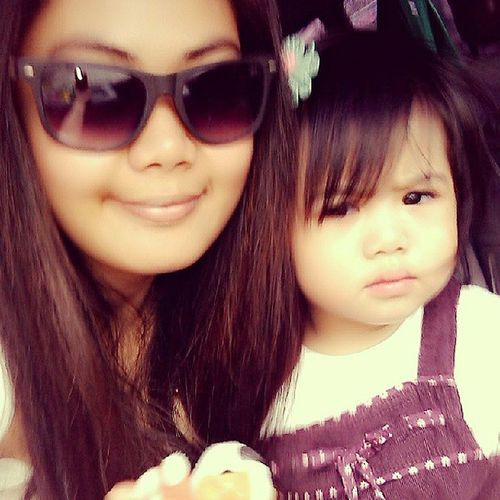 love this pic! :) Mother & Daughter ♥