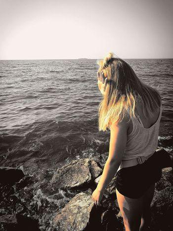Шум прибоя, лето и хороший человек рядом. Что же еще нужно... Relaxing Enjoying Life Love People Love World Good Girl