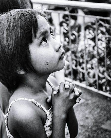 Poverty Life Young Pure Heart Faith God God Is Great. God's Beauty God's Creation Black White Black & White Purity Philipines Simple Photography EyeEm Selects