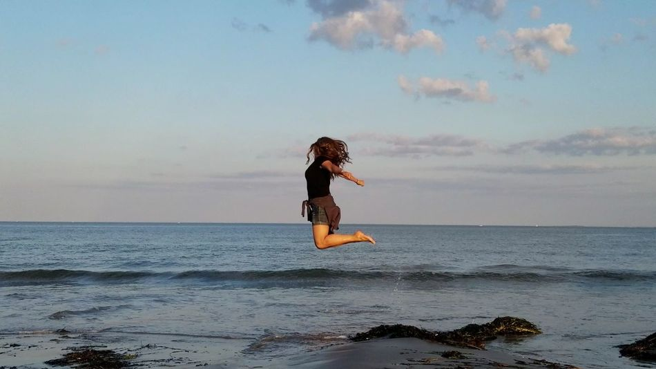 No Photoshop, No Filter Floating In The Air Flying Jumping The Wifey  Full Length One Person Sea Beach Water One Woman Only Sky Horizon Over Water Long Hair Adult Outdoors Side View Samsung Galaxy S7 Edge Revere Beach Massachussets Your Ticket To Europe The Week On EyeEm EyeEmNewHere Lost In The Landscape Connected By Travel
