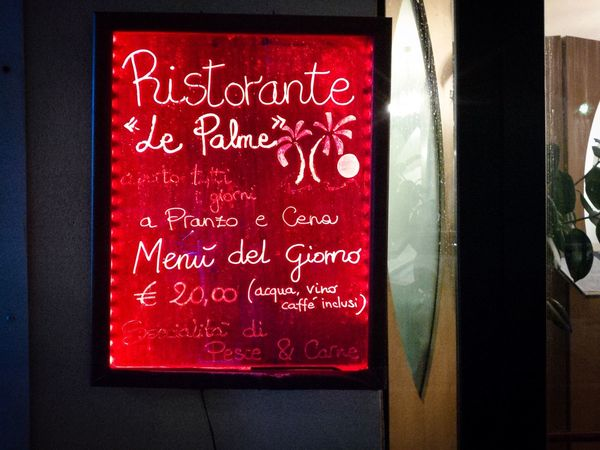Red Text Communication No People Day Window Indoors  Close-up Ristorante Restaurant Ristorante Italiano