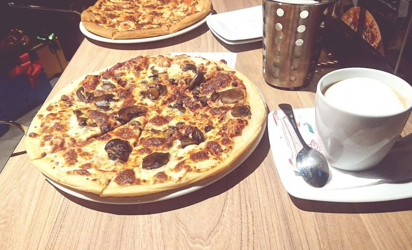 OpenEdit Photooftheday Taking Photos Pizza Hut  Pizza Time Pizza