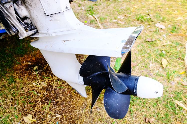 Rudder Boat Propeller Low Section Well-dressed Standing Shoe Dress Shoe