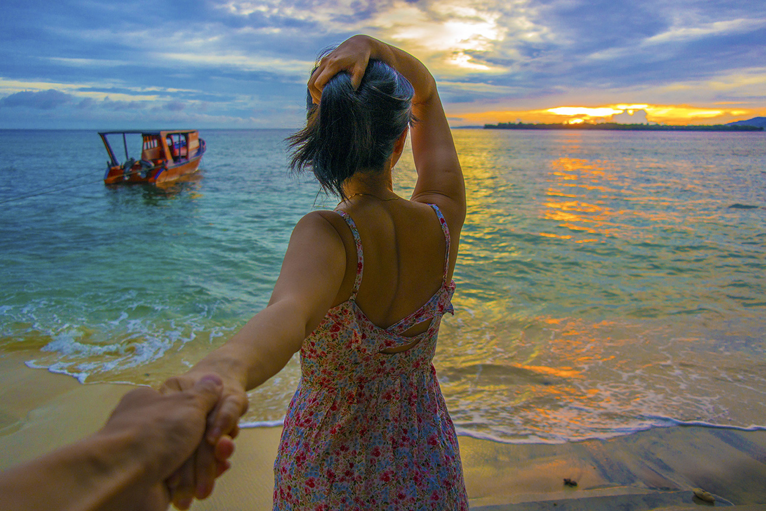sea, water, lifestyles, leisure activity, beach, sky, horizon over water, vacations, shore, cloud - sky, sitting, sunset, person, weekend activities, scenics, enjoyment