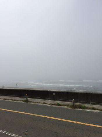今日の御前崎✨ 濃霧で少し待機した後 スッキリ晴れてレッツ サーフィン😆😁✨✨☀️✨✨ 昨日よりは寄れが入っていたが 海の日 らしい晴れで波乗り出来て満足な連休でした😆😁😁😆✨✨✨☀️☀️☀️ 海 三連休 サーフィン 波乗り 太陽パワー Fun Times 夏 海の日 梅雨明け