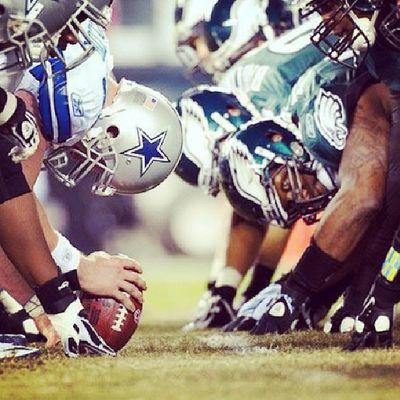 Hoje tem! E o coração ta na boca Eagles pela vaga nos play offs! Flyeaglesfly Gameday Dallasdown GoEagles NFL Regularseason Midnightgreen Football