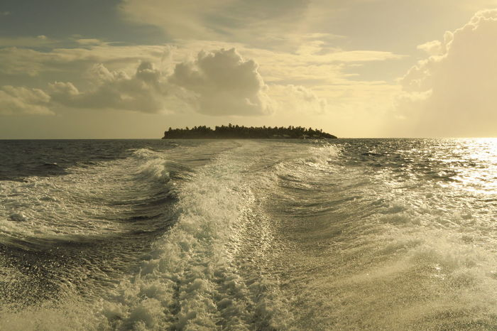 Farewell to Embudu EmbuduIsland EmbuduVillage Maldives Maldives Islands Maldives Resorts Maldivesphotography Sea Sunset Sunset Maldives EyeEmNewHere EyeEm Nature Lover Live For The Story The Great Outdoors - 2017 EyeEm Awards