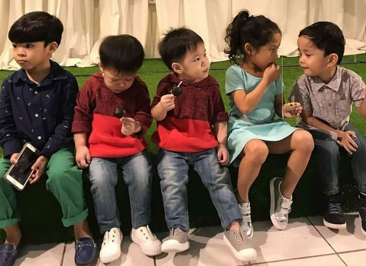 +kidstalk Friendship Child Boys Childhood Sitting Happiness Girls Group Of People Musical Instrument Togetherness