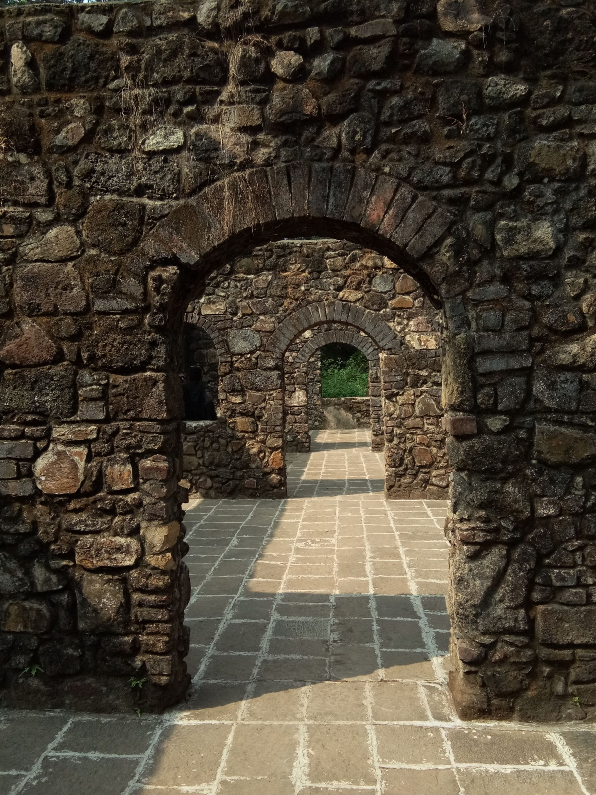 arch, architecture, built structure, history, the way forward, day, ancient, castle, indoors, no people