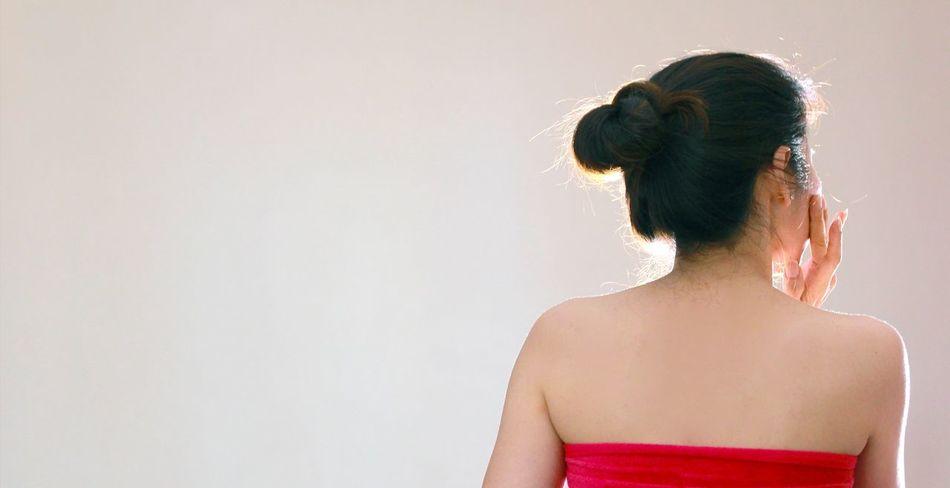 จ้างได้_ถ่ายรูปเป็น เที่ยวยังไง_ให้ได้รูปสวยๆ Weddingday  Commencementday Technician Oraganization Productadvertising Theme Model Workshop Selfsitive Patcharapat พัดชะระพัดชะระ พัชรพัชร พัดชะระพัด Moisturizer Skin Care Treatment Only Women One Woman Only Human Hair Adults Only Human Body Part Adult Rear View One Person People One Young Woman Only Beauty Women Young Adult Long Hair Human Back Beautiful Woman Human Face Portrait Studio Shot Young Women