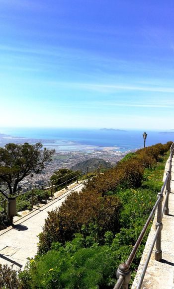 Sei tu la mia città Sun Sicilia Trapani Erice Trapaniabeddra Primavera Weekend Sky And Clouds Beautiful Verde Lamiaisola Luce Immensità Isole