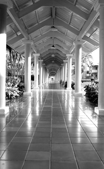 long hall Indoors  Architecture Built Structure No People Day Politics And Government
