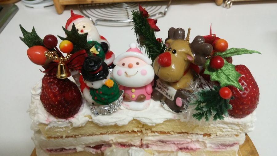 Christmas Sweet Food Indulgence Temptation Celebration Christmas Decoration Dessert Food Food And Drink No People Christmas Tree Close-up Unhealthy Eating Tradition Holiday - Event Indoors  Freshness Ready-to-eat Table Christmas Ornament