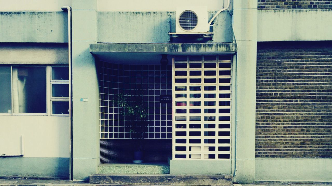 building exterior, architecture, built structure, window, outdoors, no people, day