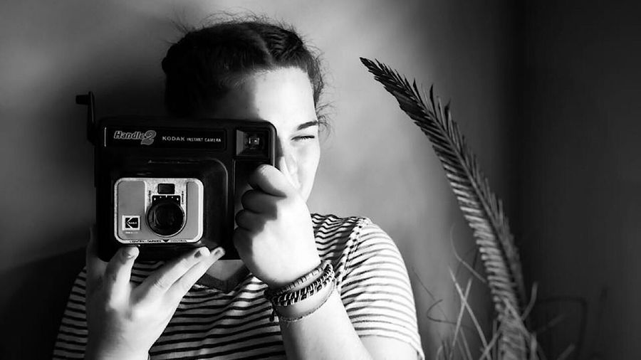 """Taking a """"picture"""" of me taking a picture of her Photography Themes One Person Technology Indoors  Portrait Headshot The Portraitist - 2018 EyeEm Awards Camera - Photographic Equipment Photographer Young Adult"""