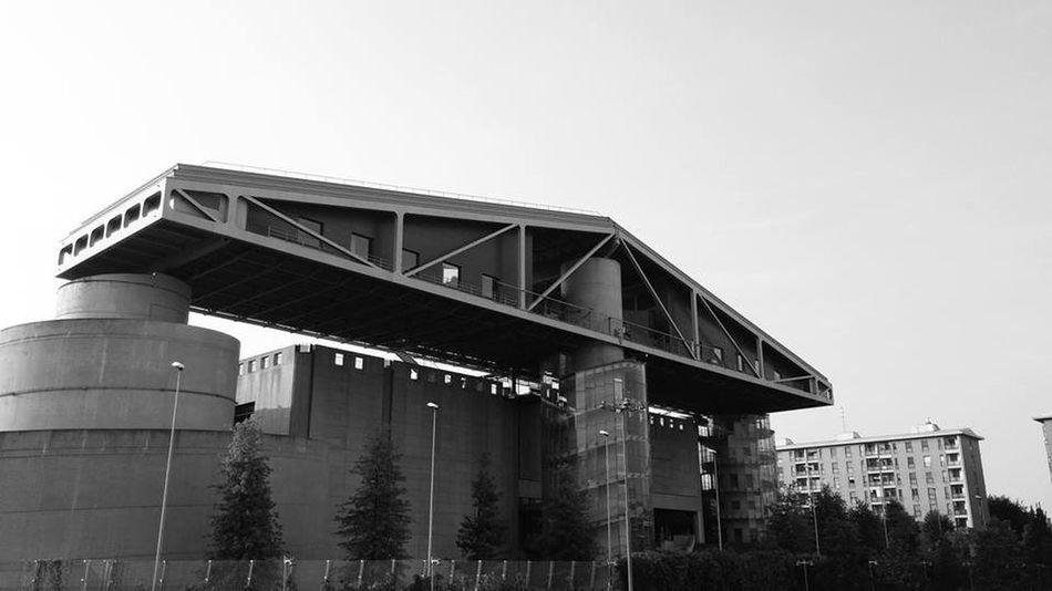 Architecture Bridge Building City City Life Cityscapes Door Fieramilano Fieramilanocity LG  Milan Milano Porta Nuova Skyline Tram Tretorri