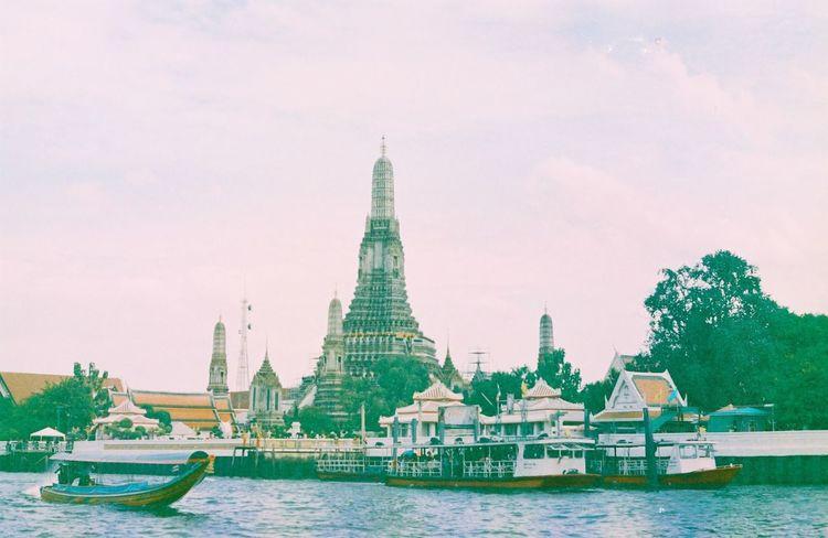 ....LIFE.... Thailand Temple Watarun Bangkok