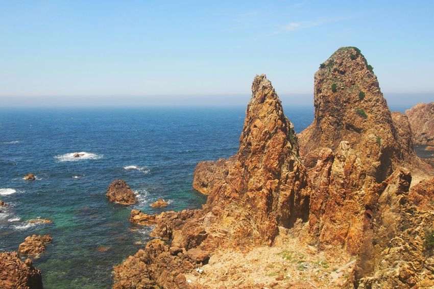 五能線 Aomori Japan Sea Traveling Nature Beautiful Nature Rocks Crag Blue Sky Train View