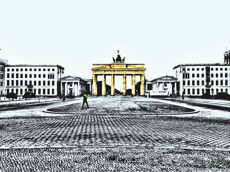 Leonie Filter Berlin Soistberlin  Brandenburgertor