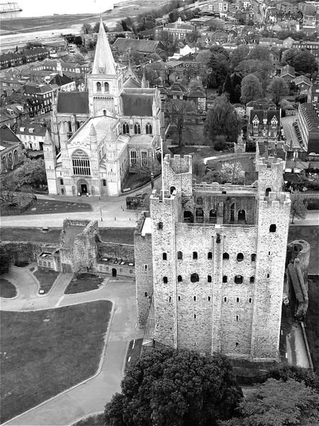The Secret Spaces Day Water Outdoors Built Structure No People Architecture Sea Building Exterior Nature Rochester Castle Rochester Cathedral Aerial View My First Eyem Photo Amazing Beauty Modern Art Gallery Todays Hot New Look Ancient History Old Ruin The Past Architecture Scenics High Angle View Rural Scene