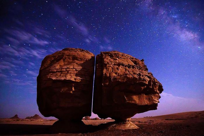 تدمر في سوريا Astronomy Galaxy Milky Way Space Star - Space Constellation Astrology Sign Desert Rock - Object Arts Culture And Entertainment First Eyeem Photo