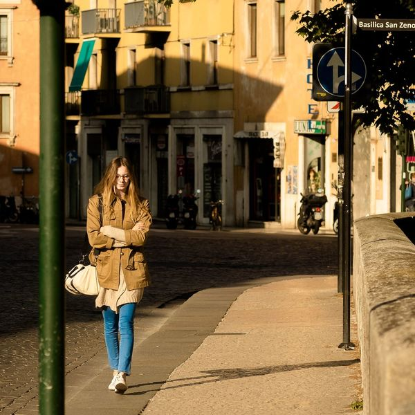 Eyemphotography Eyemgallery Eyemstreet Streetphotography Streetphotographers Mood Italy Verona Picoftheday Photooftheday Candid Sunnyday Candidphotography Color Photography
