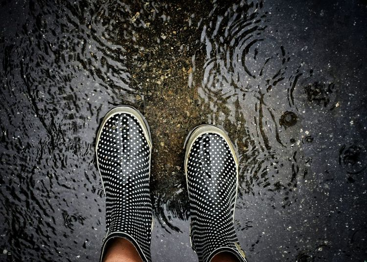 rainyday Rain Rubberboots Rubberboots RainyDay Rainyd Rainboots Personal Perspective Footwear Human Foot Shoe Low Section Person Thesmallestlittlethings Happigramma EyeEm Gallery Rainy Days EyeEm Best Shots Raindrops Curve Freshness Wet Water RainDrop Raining Godsartwork
