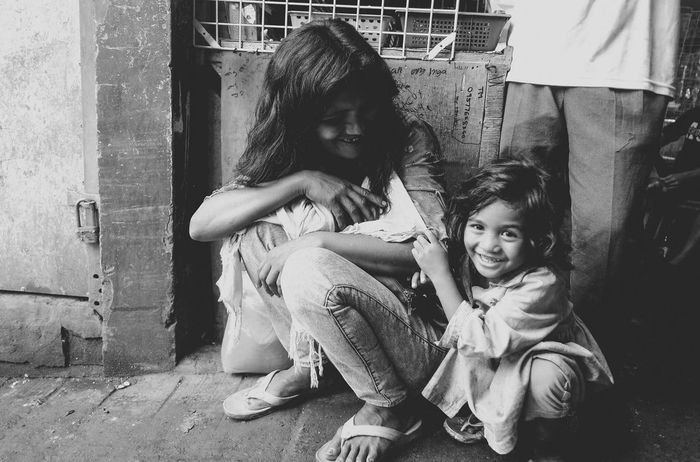Human Emotion Photos That Will Restore Your Faith In Humanity B&W Portrait First Eyeem Photo Eyeem Philippines Streetphotography Everyday People